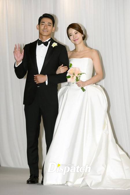 Nóng: Chồng nữ hoàng nhạc phim Baek Ji Young bị bắt khẩn cấp vì sử dụng ma túy - Ảnh 1.