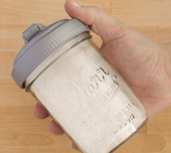 Mẹo hay khử mùi ẩm mốc từ thảm do trời nồm bằng nguyên liệu rẻ tiền, có sẵn trong bếp nhà bạn - Ảnh 6.