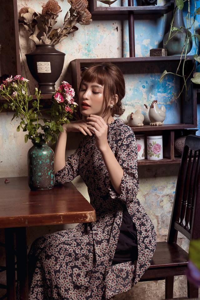 Còn đúng 1 tháng nữa là Tết, và đây là 7 mẫu áo dài cách tân đẹp duyên nhất cho nàng diện trong Tết này - Ảnh 18.