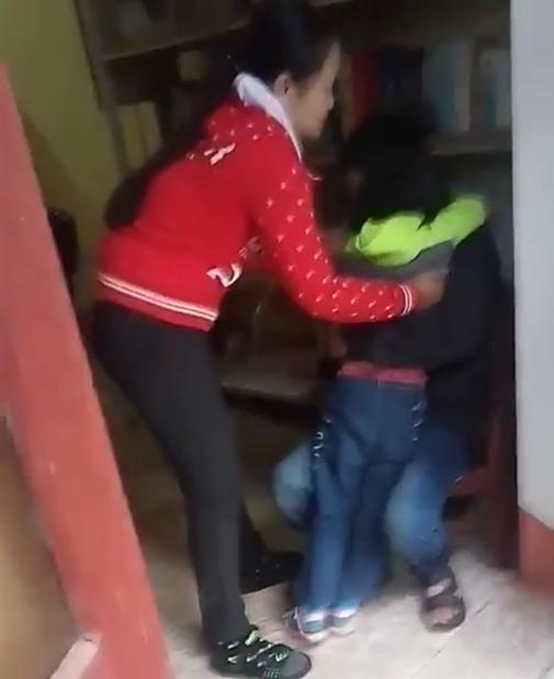 Vụ bé gái khóc thét khi mẹ quay về đón sau 6 năm bỏ đi: Người bố lên tiếng - Ảnh 3.