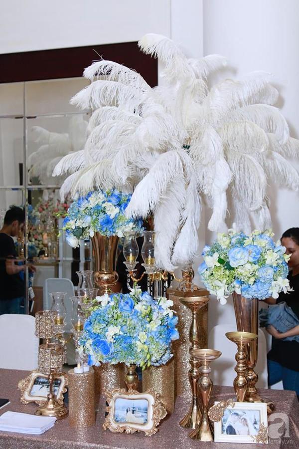 Cận cảnh không gian đám cưới lộng lẫy của Lâm Khánh Chi và chồng kém 8 tuổi - Ảnh 3.