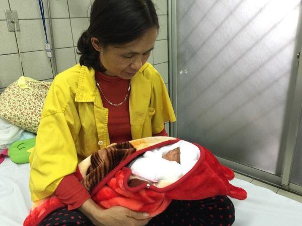 Mổ bắt con thành công, cứu sống sản phụ bị tim bẩm sinh nhập viện cấp cứu trong tình trạng nguy kịch - Ảnh 1.