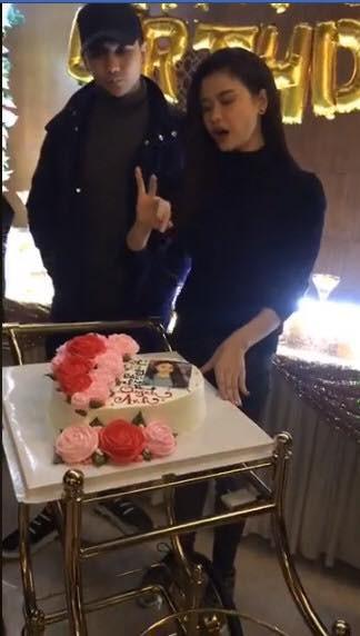 Thái độ khó hiểu của Tim khi có mặt trong tiệc sinh nhật Trương Quỳnh Anh - ảnh 2