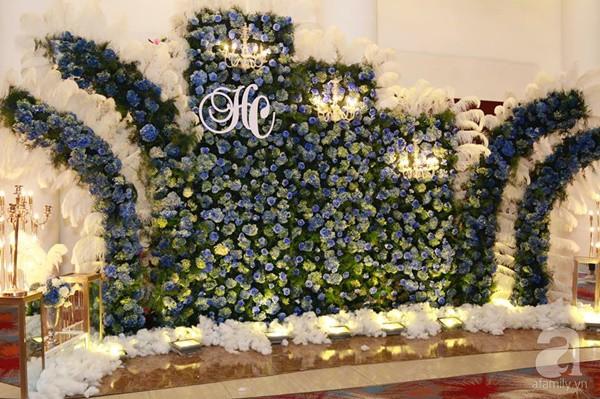 Cận cảnh không gian đám cưới lộng lẫy của Lâm Khánh Chi và chồng kém 8 tuổi - Ảnh 12.