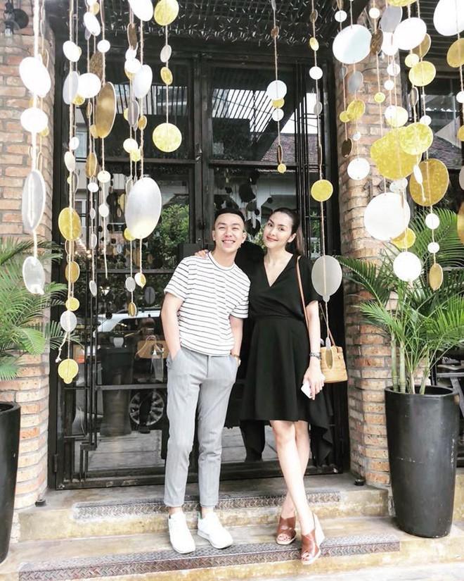 Trước khi vướng nghi vấn mang bầu lần 3, Hà Tăng đẹp rạng ngời diện váy hoa dạo phố - Ảnh 1.