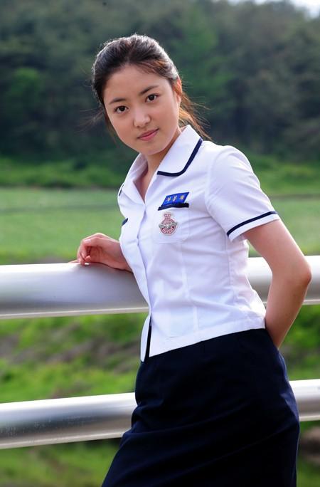 """Lee Se Young: Từ sao nhí tiềm năng một thời suýt bị quên lãng đến nàng """"cương thi quyến rũ nhất lịch sử điện ảnh xứ kim chi - Ảnh 11."""