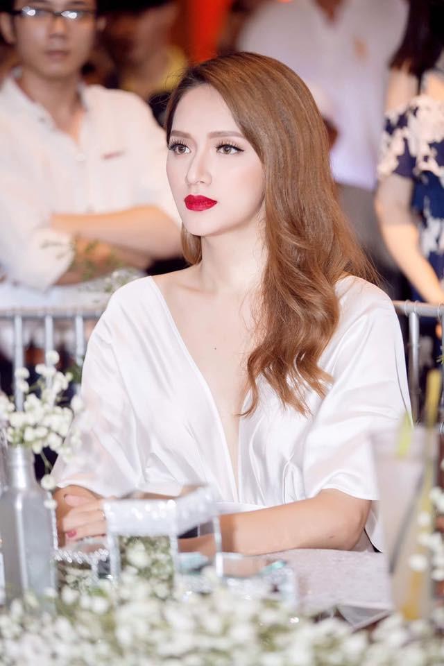 Hành trình thay đổi nhan sắc của Hương Giang Idol: từ cậu nhóc tóc ngắn đến đỉnh cao nhan sắc mà ai cũng muốn ngắm nhìn  - Ảnh 15.