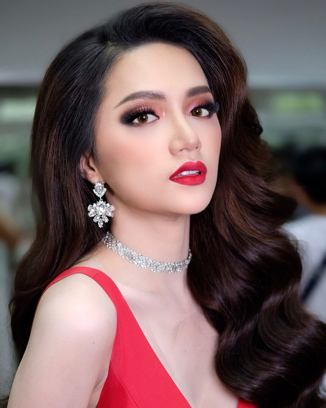 Chỉ dùng son đỏ và son cam mà Hương Giang vẫn cứ tỏa sáng ngời ngời tại Hoa hậu Chuyển giới Quốc tế 2018 - Ảnh 1.