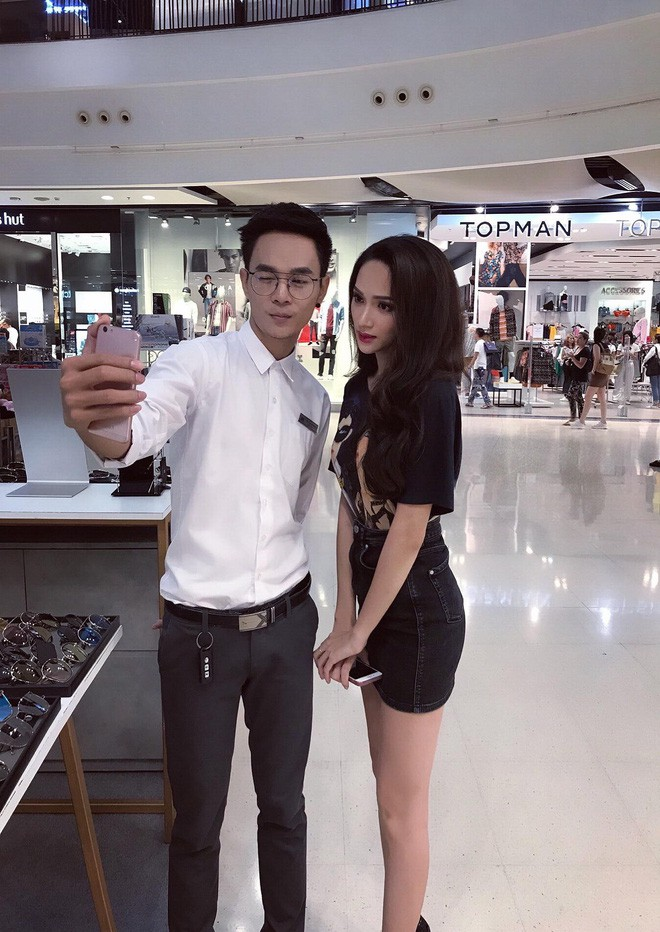 Giản dị như Hoa hậu Hương Giang, sau ngày đăng quang vẫn mặc lại áo phông cũ - Ảnh 3.