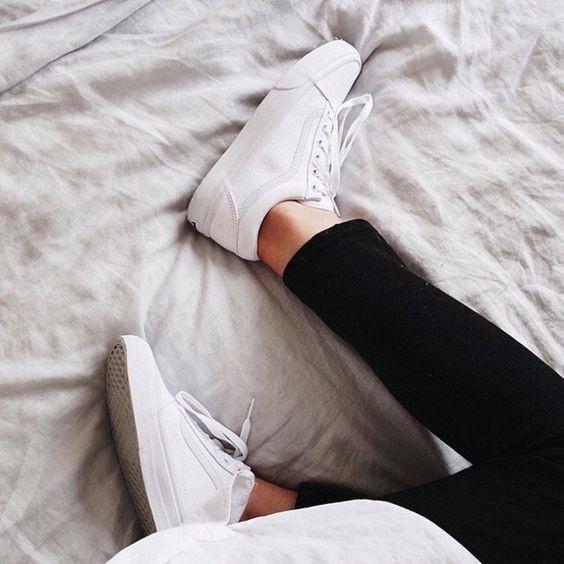 Ai mê sneaker trắng thì chắc chắn phải nằm lòng 8 mẹo làm sạch giày này  - Ảnh 7.