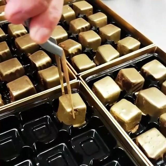 Muốn khám phá vị vàng thế nào, 7 món ăn dát vàng này chính là thứ nên thử, Việt Nam cũng có 1 món - Ảnh 17.