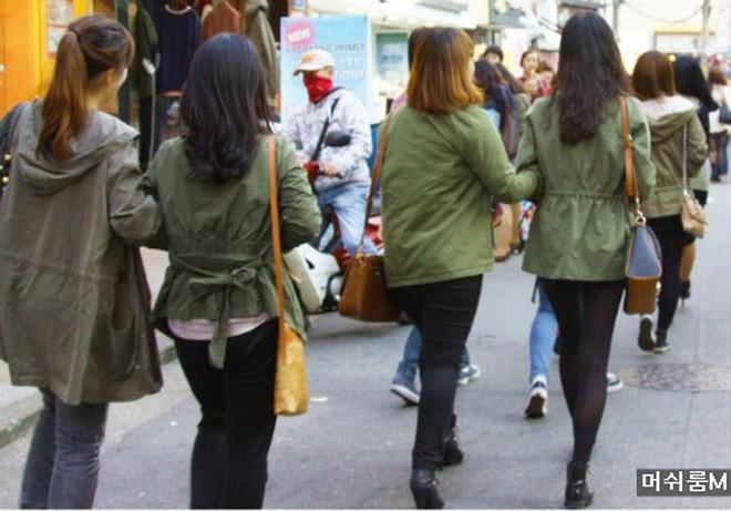 Mẫu Nhật gây tranh cãi nảy lửa vì thẳng thừng nhận xét thời trang Hàn: Ai cũng như ai ăn mặc y hệt nhau! - Ảnh 8.