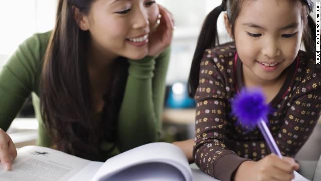 9 nấc thăng trầm khi giúp con làm bài tập về nhà mà mỗi bà mẹ đều một lần trải qua - Ảnh 1.