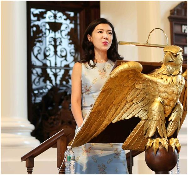 Ngắm phong cách của Tô Mang - người đàn bà U50 quyền lực trong giới thời trang Cbiz - Ảnh 19.