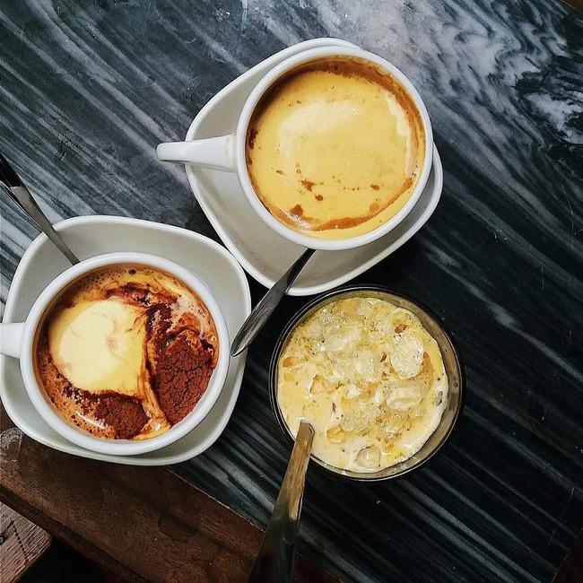 Vòng quanh thế giới đi tìm những món cafe độc đáo nhất: Cafe pha với than hồng, pho mát - ảnh 4