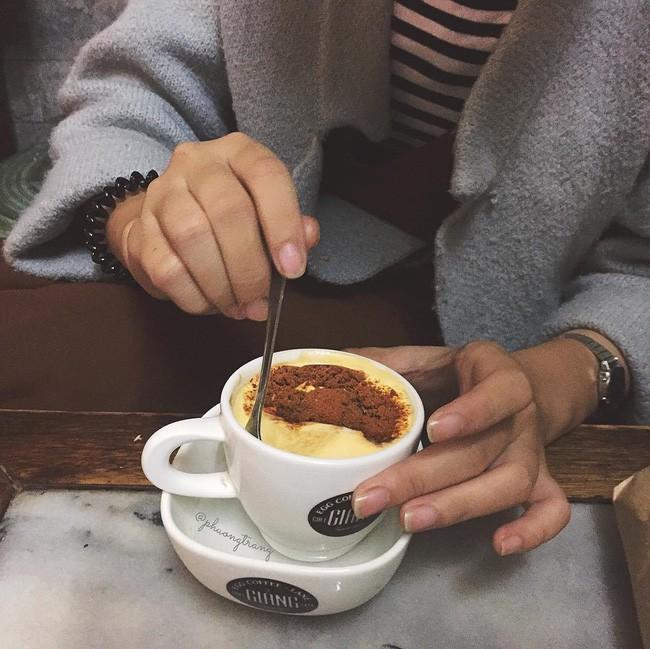 Vòng quanh thế giới đi tìm những món cafe độc đáo nhất: Cafe pha với than hồng, pho mát - ảnh 5