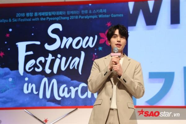 Hậu xác nhận hẹn hò Suzy, Lee Dong Wook cực điển trai tổ chức fanmeeting - Ảnh 2.