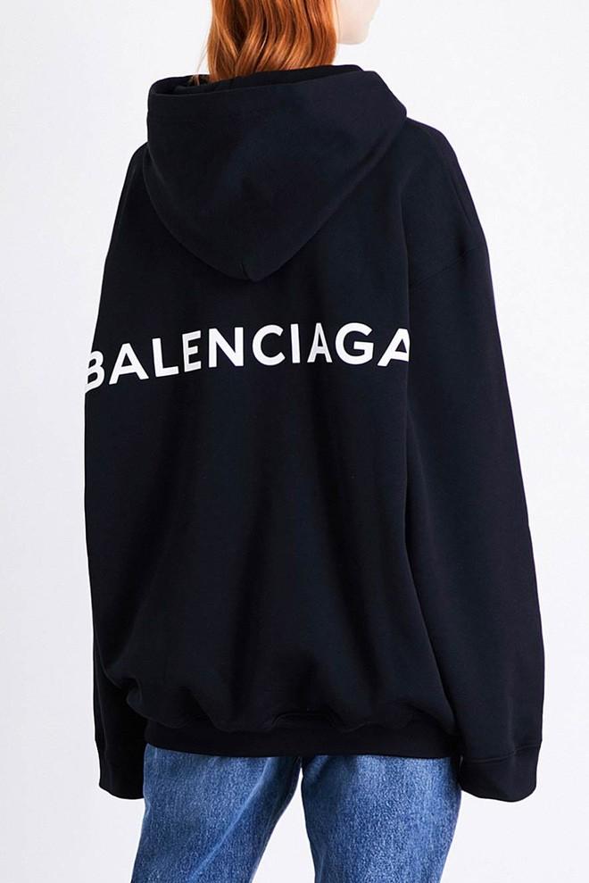 13,5 triệu đồng là số tiền bạn phải bỏ ra nếu muốn xỏ chân vào đôi dép lê của Balenciaga - Ảnh 4.