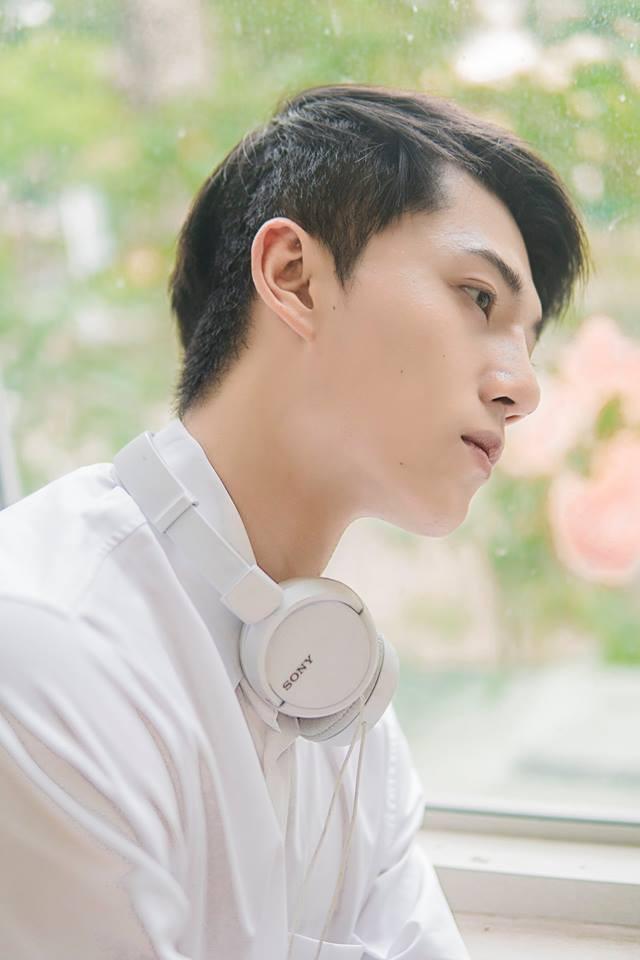 Bỏ ngoài tai những lời chê bai nhan sắc, Harry Lu đẹp như nam thần trong bộ ảnh mới - ảnh 1