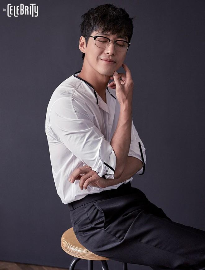 Sau 7 năm, người yêu thầm Hwang Jung Eum cuối cùng đã đảo phụ thành chính - Ảnh 4.