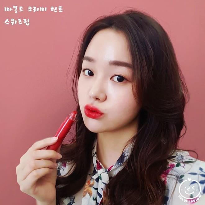 Trong khi con gái Việt mê mẩn 3CE thì con gái Hàn lại đang đắm chìm với cây son kem bóp để tô hay ho với toàn màu siêu đẹp này - Ảnh 6.