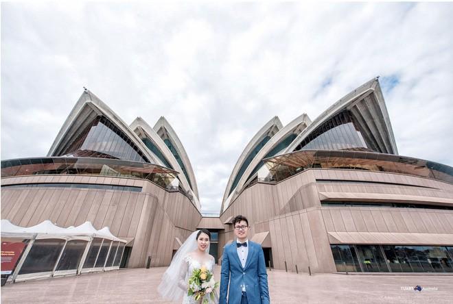 Bộ ảnh cưới ở 6 quốc gia cùng hành trình liều và điên của cặp đôi Hà Nội - Ảnh 3.