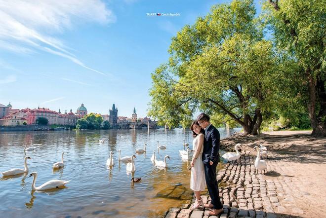 Bộ ảnh cưới ở 6 quốc gia cùng hành trình liều và điên của cặp đôi Hà Nội - Ảnh 10.
