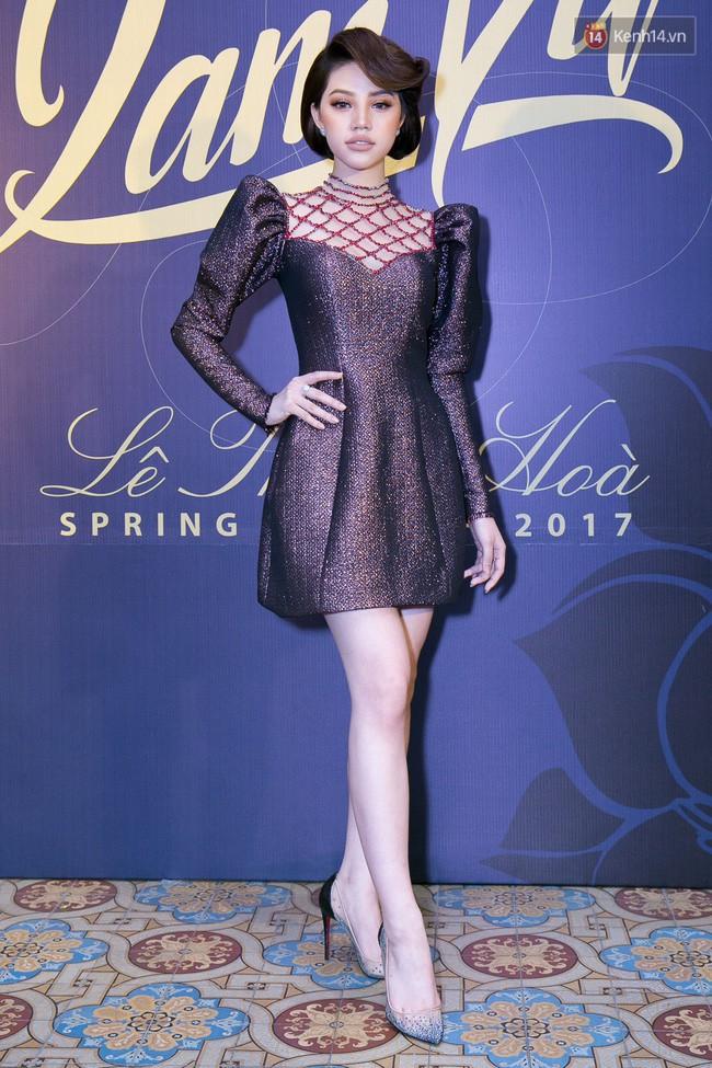 Hương Giang và 2 nàng Hoa hậu khác cùng so bì nhan sắc trong 1 thiết kế váy, và kết quả đúng là bất phân thắng bại - Ảnh 2.