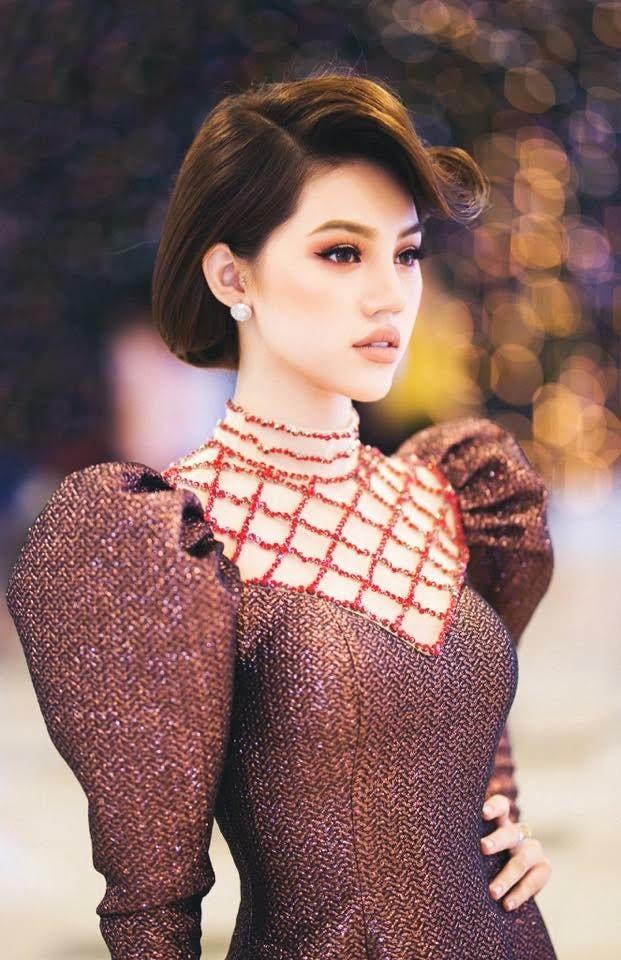 Hương Giang và 2 nàng Hoa hậu khác cùng so bì nhan sắc trong 1 thiết kế váy, và kết quả đúng là bất phân thắng bại - Ảnh 3.