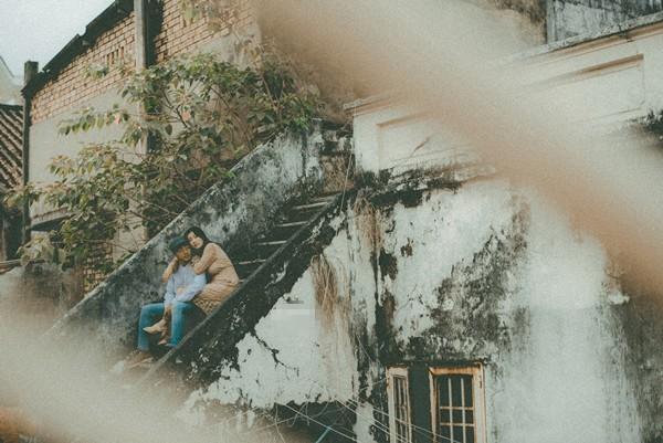 Thêm một bộ ảnh cưới vintage với nhà cổ và màu ảnh thập niên 90 khiến FA lại đứng ngồi không yên vì... thèm yêu - Ảnh 7.