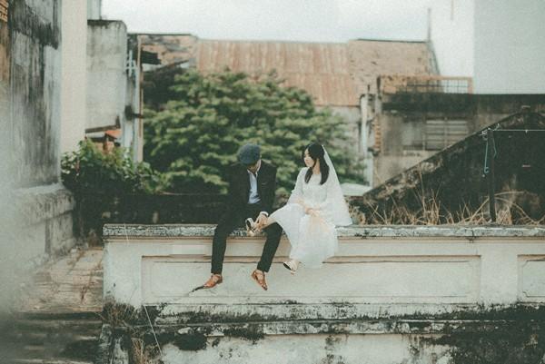 Thêm một bộ ảnh cưới vintage với nhà cổ và màu ảnh thập niên 90 khiến FA lại đứng ngồi không yên vì... thèm yêu - Ảnh 9.