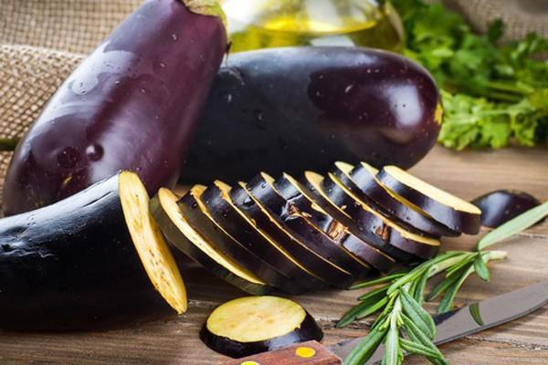 Chăm chỉ ăn cà tím giúp bạn khỏe đẹp từ trong ra ngoài và đây là lý do