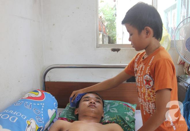 Mẹ bỏ đi lấy chồng, hai đứa trẻ nghỉ học vào bệnh viện chăm sóc anh trai tàn tật, đau đớn không có tiền chữa trị - Ảnh 7.