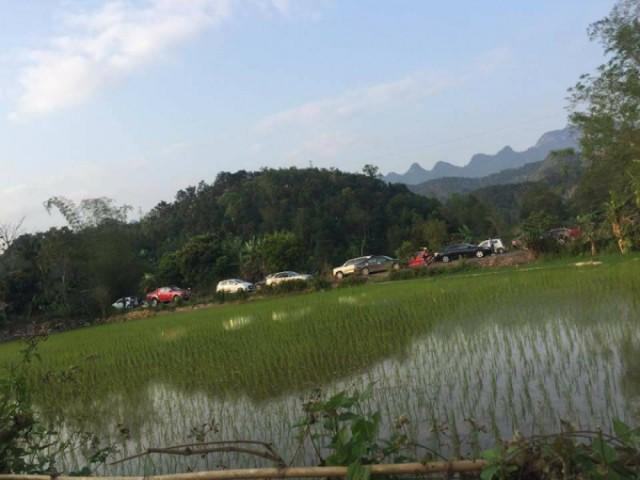 Vụ phát hiện 3 người tử vong trong xe ô tô: Một nạn nhân là lái xe sở Xây dựng Hà Giang - Ảnh 2.