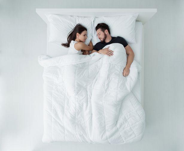 Tư thế ngủ có thể ảnh hưởng trực tiếp tới sức khỏe như thế nào? - Ảnh 3.