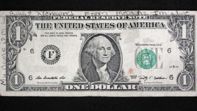 Bé gái 11 tuổi mất tích bí ẩn ngay trước cửa nhà, 19 năm sau người ta tìm thấy tờ 1 USD vời lời nhắn kỳ lạ - Ảnh 4.