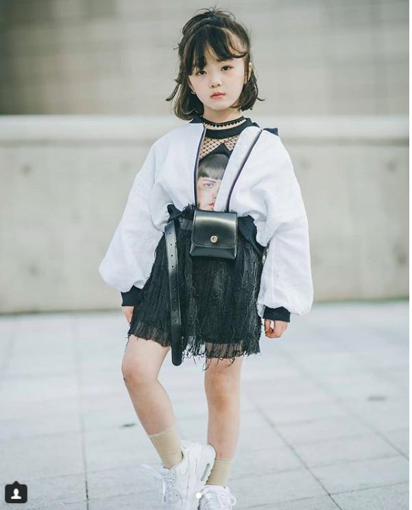 Đến hẹn lại lên, loạt nhóc tì khuấy đảo Tuần lễ Thời Trang Seoul 2018 với loạt street style cực chất cùng thần thái pose ảnh còn hơn cả người lớn  - Ảnh 6.