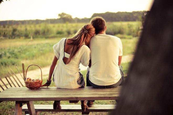 Từ bỏ nỗi day dứt khi làm người thứ ba, chúng tôi học cách làm bạn để giữ lại tình yêu cho mình - Ảnh 1.