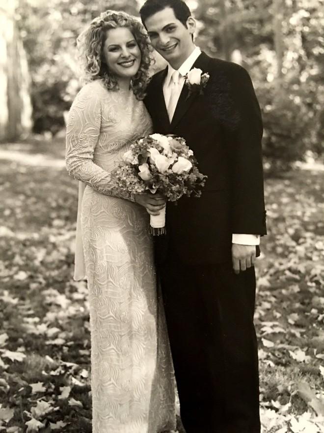 Sau 5 năm hẹn hò, 2 năm hôn nhân, chồng thú nhận với vợ sự thật chôn giấu bấy lâu nay về mình - Ảnh 2.