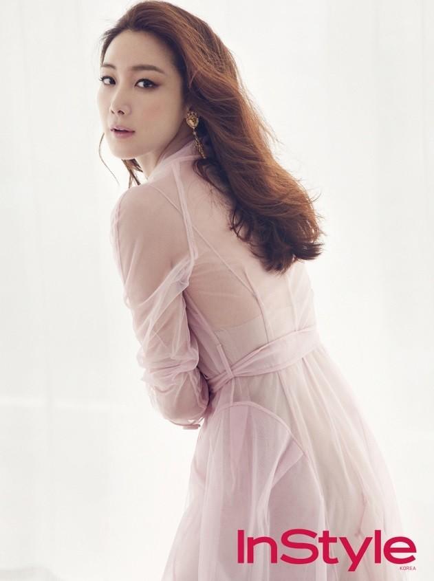 """""""Người đẹp khóc"""" Choi Ji Woo bất ngờ thông báo lên xe hoa vào ngày hôm nay - Ảnh 2."""