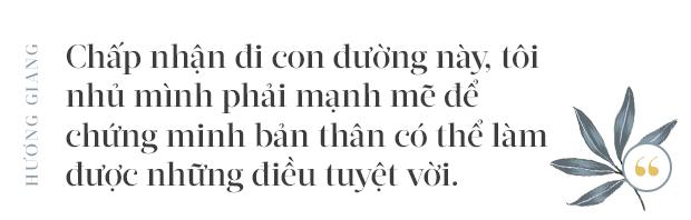 Hoa hậu Hương Giang: Lần đầu tiên sau 7 năm, bố mới dám đưa tôi về quê nội thắp hương - Ảnh 6.