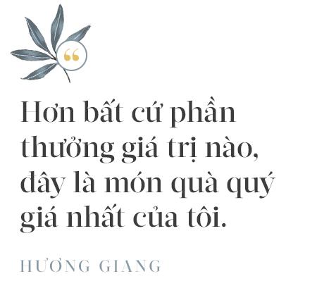Hoa hậu Hương Giang: Lần đầu tiên sau 7 năm, bố mới dám đưa tôi về quê nội thắp hương - Ảnh 12.