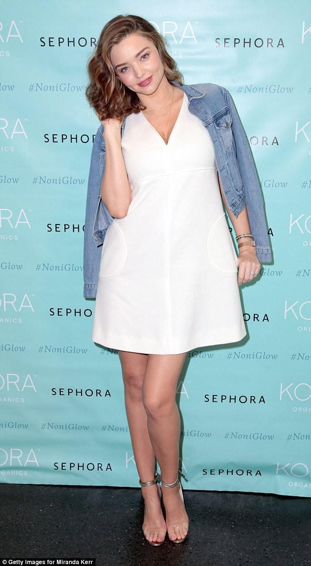 Bụng bầu vượt mặt nhưng Miranda Kerr vẫn đi giày cao gót cả tấc, đẹp bất chấp bên chồng - Ảnh 7.