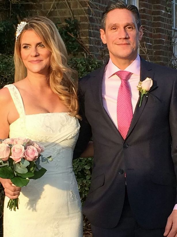 37 tuổi chưa kết hôn, cô gái tưởng mình đã mất niềm tin vào tình yêu ai ngờ lại gặp người đàn ông của đời mình bởi một tin nhắn nhầm - Ảnh 3.