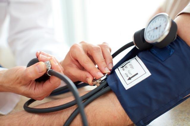 Bổ sung những thực phẩm này, bạn sẽ kiểm soát huyết áp một cách tự nhiên siêu hiệu quả - Ảnh 1.