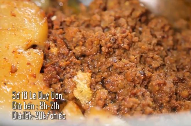 Hà Nội vẫn còn những hàng bánh mì nổi tiếng siêu rẻ, chỉ dưới 15k một chiếc bánh đầy đặn - Ảnh 9.