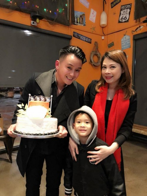 Thanh Thảo hạnh phúc 'khoá môi' bạn trai Việt kiều trong tiệc sinh nhật sớm - Ảnh 2.