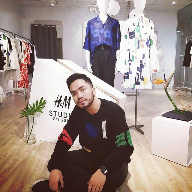 Vừa lên kệ, họa tiết mảng màu của H&M Studio đã được chưng diện toàn cầu, cánh fashionista Việt nào có kém cạnh - Ảnh 12.