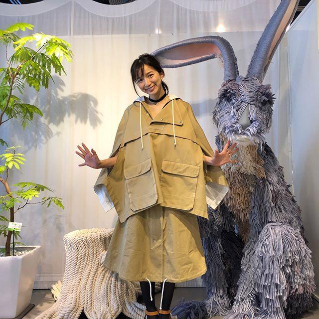 Vừa lên kệ, họa tiết mảng màu của H&M Studio đã được chưng diện toàn cầu, cánh fashionista Việt nào có kém cạnh - Ảnh 16.