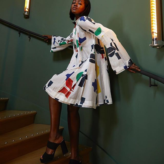 Vừa lên kệ, họa tiết mảng màu của H&M Studio đã được chưng diện toàn cầu, cánh fashionista Việt nào có kém cạnh - Ảnh 8.